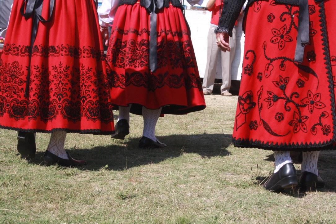 trajes-regionales-pies
