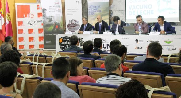 El vacuno de leche protagoniza una jornada en la Universidad deLeón