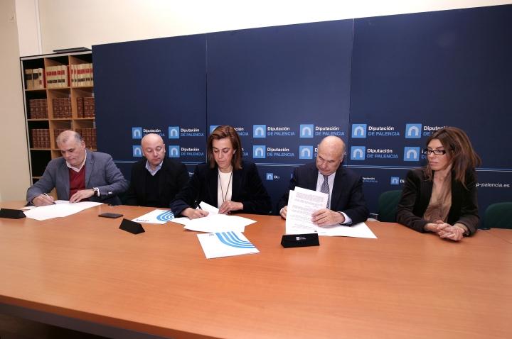 La Diputación firma dos convenios de colaboración nuevos con el CETECE y la Cámara de Comercio con un aportación de  más de 31.800 euros para seguir ahondando en su apuesta por la formación y el empleo en el medio rural como motor dedesarrollo