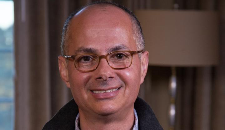 La Fundación BBVA premia a Omar Yaghi por crear una química que produce nuevos materiales capaces de capturar CO2 o de obtener agua de laatmósfera