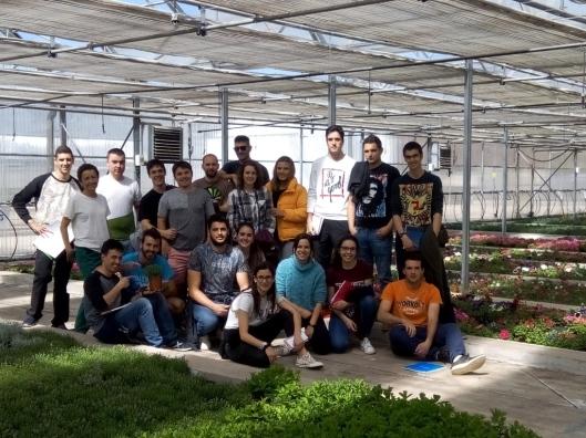 2018-04-26 alumnos ingeniería agroalimentaria invernadero aspanias