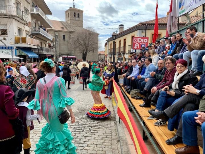 El Domingo de Piñata pone el broche de oro al Carnaval deCebreros