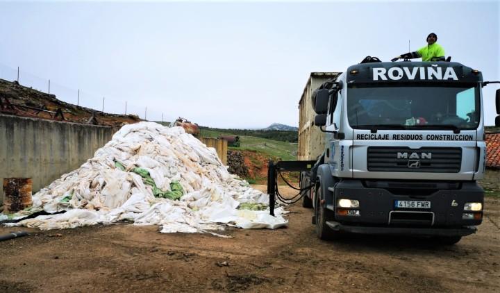 El Consorcio de Residuos pone en marcha el servicio de recogida de plásticos ganaderos en 212 explotacionesganaderas